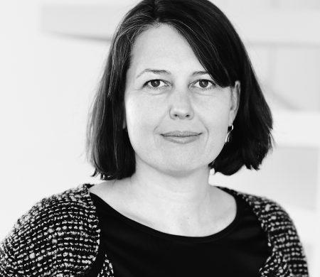 Nicole Karrer, Systemische Lehrtherapeutin