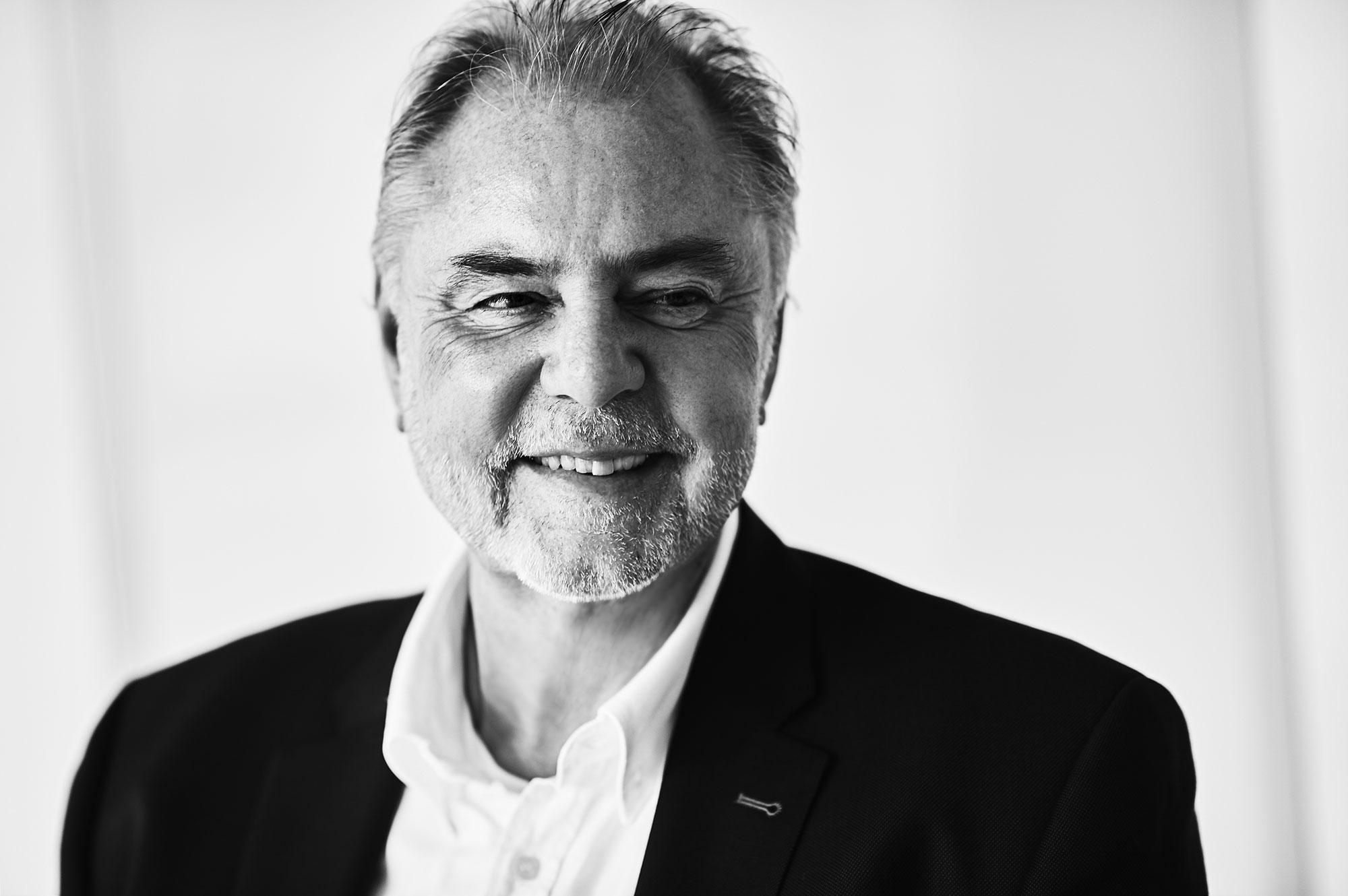 Dr. Hans Friedl
